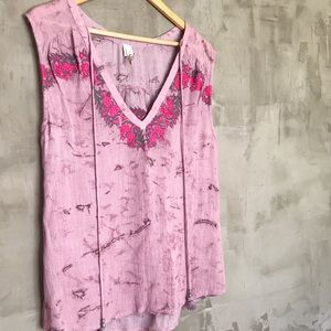 Raga • Embroidered Boho Sleeveless Blouse